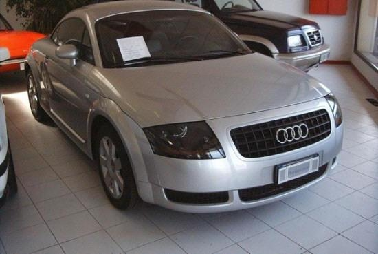 Front Right 2002 Audi TT Car Picture
