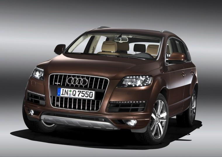 Front Left Brown 2010 Audi Q7 Car Picture