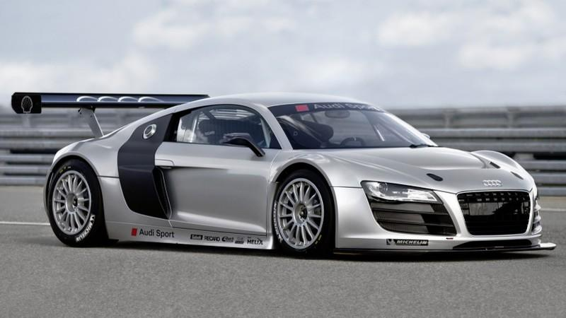 Front Right 2010 Audi R8 GT3 Car Picture