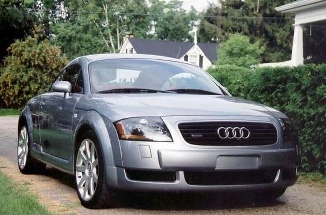 Front Right Audi TT Car Picture