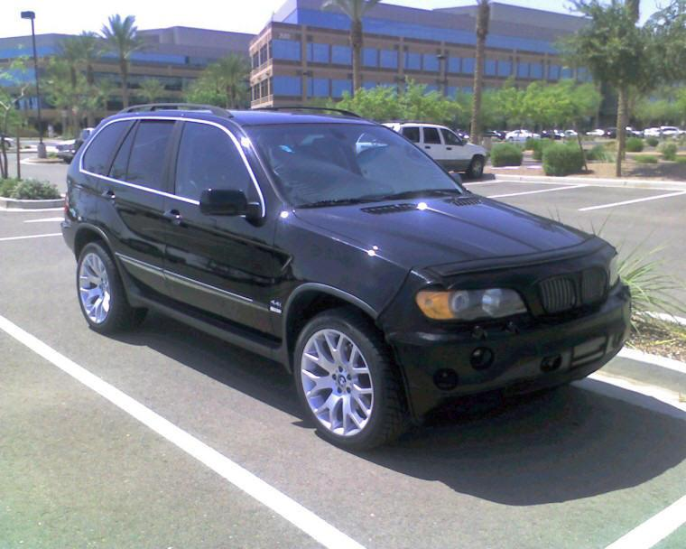 Front right 2000 BMW X5 SUV Picture