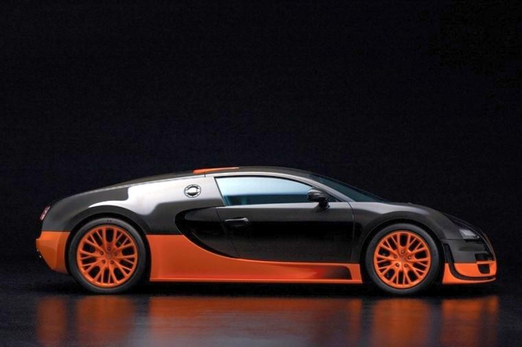 Right Side Bugatti Super Sport Car Picture