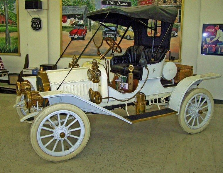 Left Side 1909 Buick Model 10 Car Picture