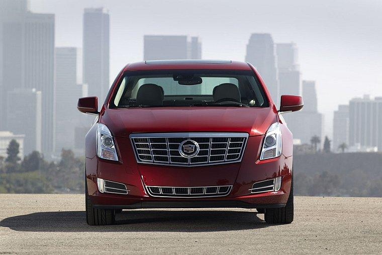 Front View Red 2013 Cadillac XTS Car Picture