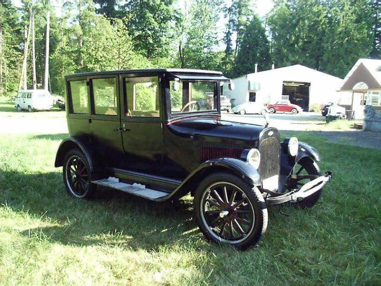 Front Right 1923 Chevrolet Touring Sedan Car Picture