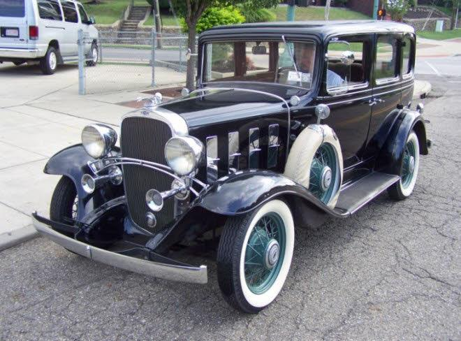 Front Left 1932 Chevrolet Confederate Deluxe Car Picture