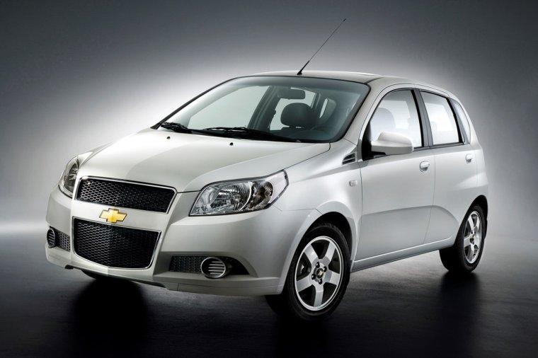 Front left White 2008 Chevrolet Aveo Car Picture