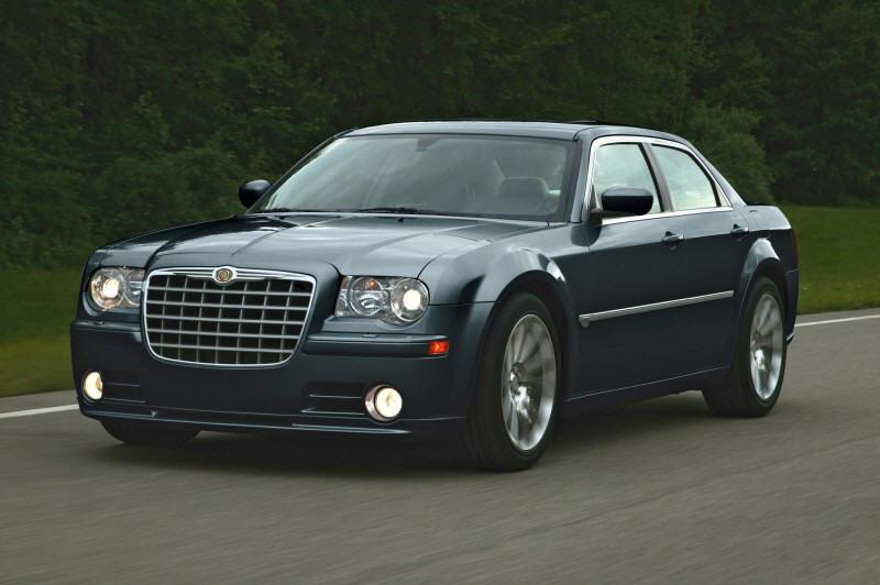 Front left 2008 Chrysler 300C SRT8 Car Picture