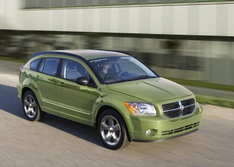 Front Right Green 2010 Dodge Caliber Car Picture