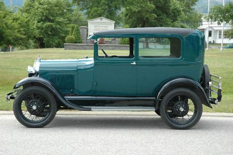 Left Side Green 1928 Ford Model A Car Picture