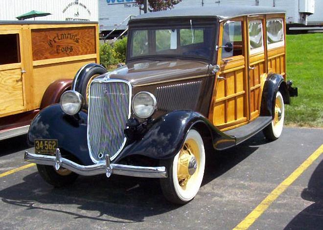 1934 Ford Woodie Wagon Picture