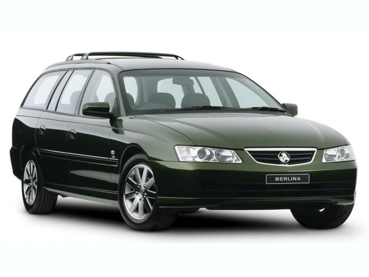 Front Right 2002 Holden Berlina Station Wagon Picture