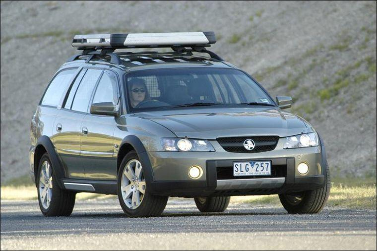 2003 Holden Adventra SUV Picture