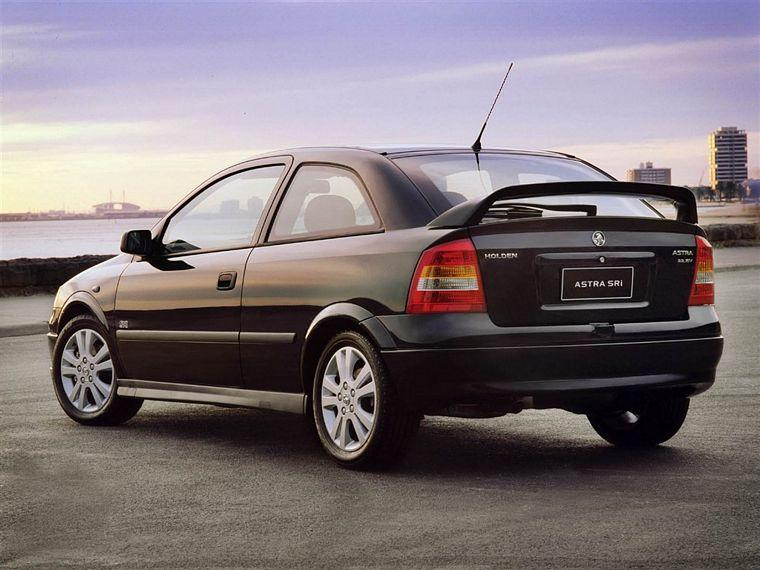 2005 Holden Astra SRI Car Picture