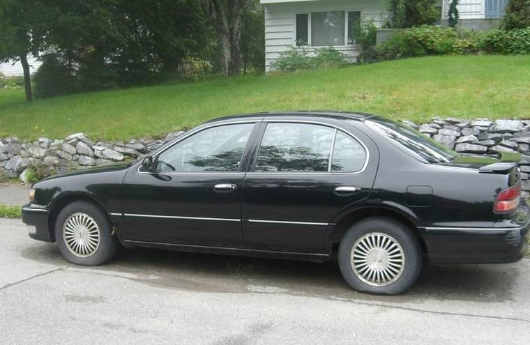 Left Side 1997 Infiniti I30 Sedan Car Picture