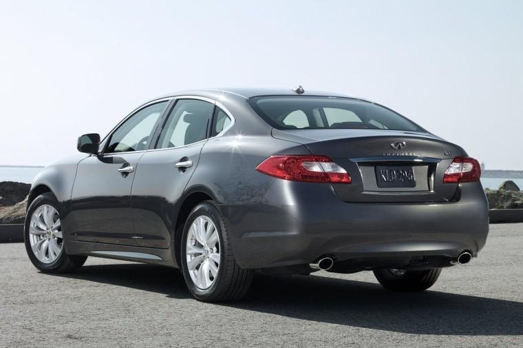 Rear Left 2011 Infiniti M56 Car Picture