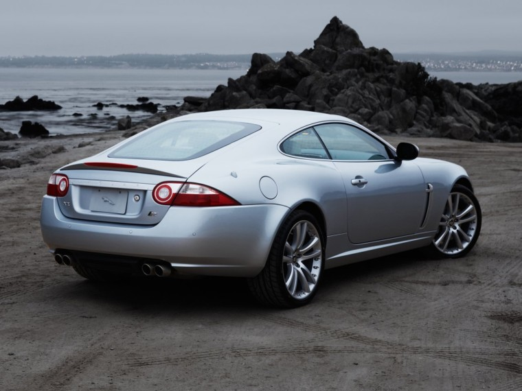 Rear Right 2007 Jaguar XKR Car Picture