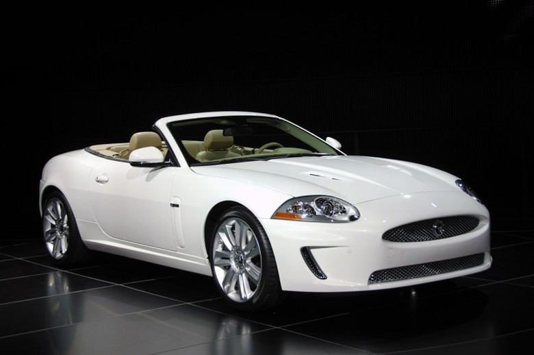 Front Right 2010 Jaguar XKR Convertible Car Picture