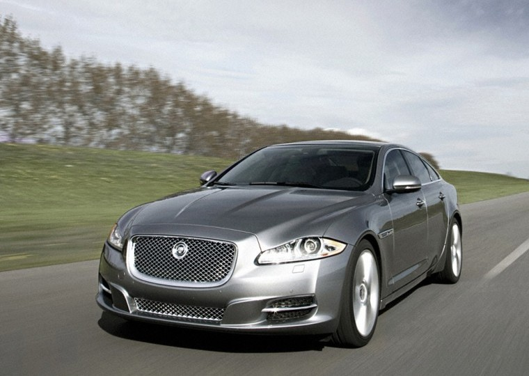 Front Left Silver 2011 Jaguar XJ Car Picture