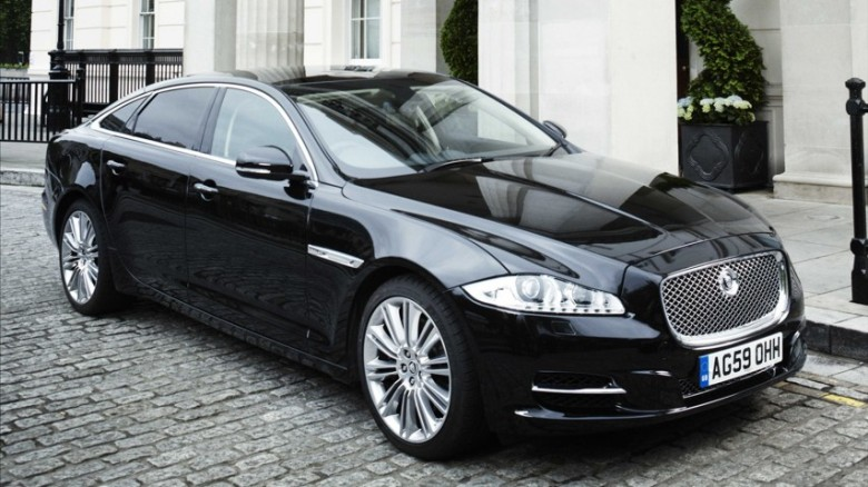 Front Right Black 2011 Jaguar XJ Saloon Car Picture
