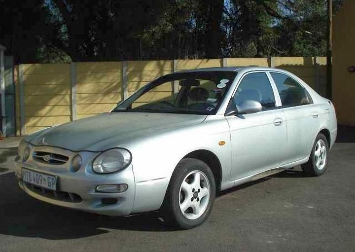 Front Left 2001 Kia Shuma Car Picture