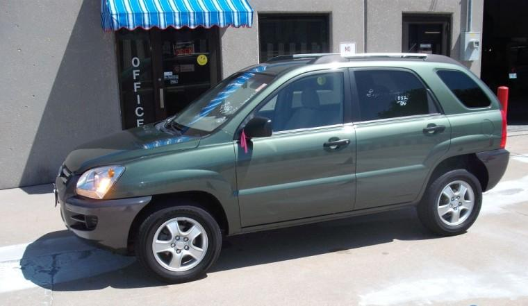 Left Side Green 2009 Kia Sportage SUV Picture