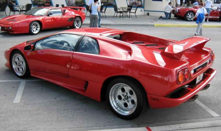 Rear Left 1998 Lamborghini Diablo VT Car Picture