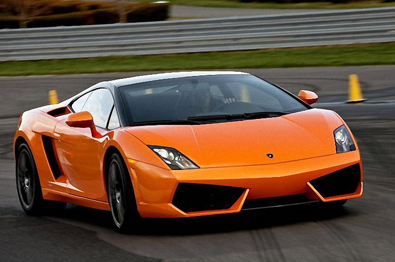 Front Right 2011 Lamborghini Gallardo Car Picture