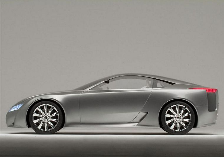 Left Side Silver 2005 Lexus LF-A Concept Car Picture
