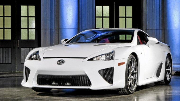 Front Left White 2012 Lexus LFA Car Photo