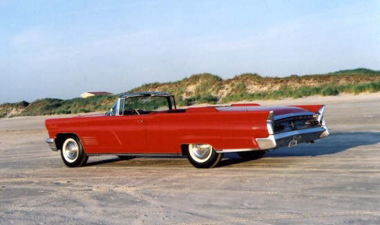 Rear left Red 1960 Lincoln Continental Car Picture