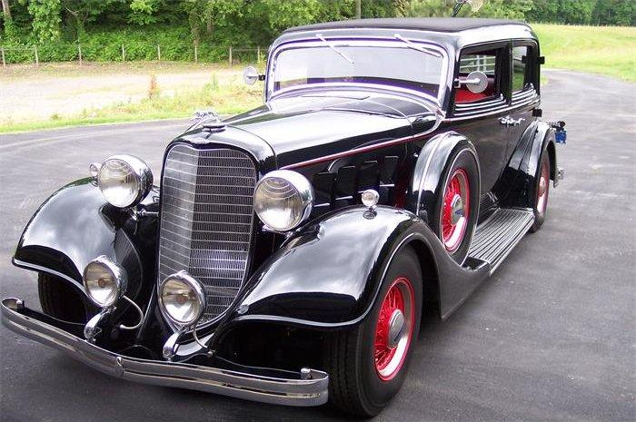 1934 Burgandy Lincoln Town Car Car Picture Old Classy Car Photos