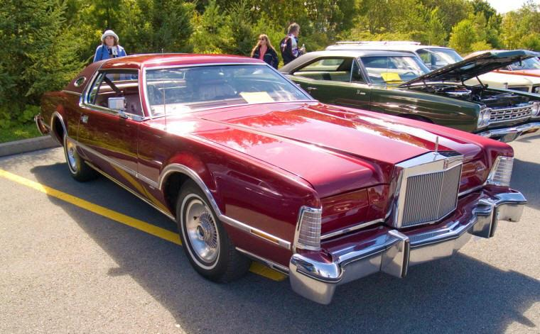 1976 Lincoln Continental Mark IV Car PIcture