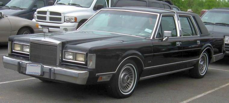 1985 Lincoln Continental Town Car Picture