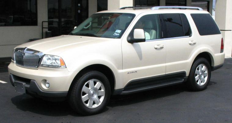 2005 Lincoln Aviator SUV Picture