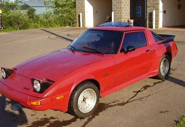 Front Left Red 1983 Mazda RX-7 Car Picture