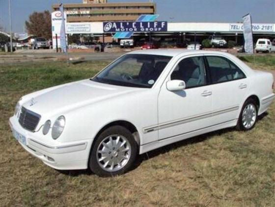Front left 1999 Mercedes-Benz E240 Car Picture