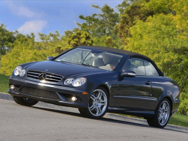 Front left 2009 Mercedes-Benz CLK550 Cabriolet Car Picture