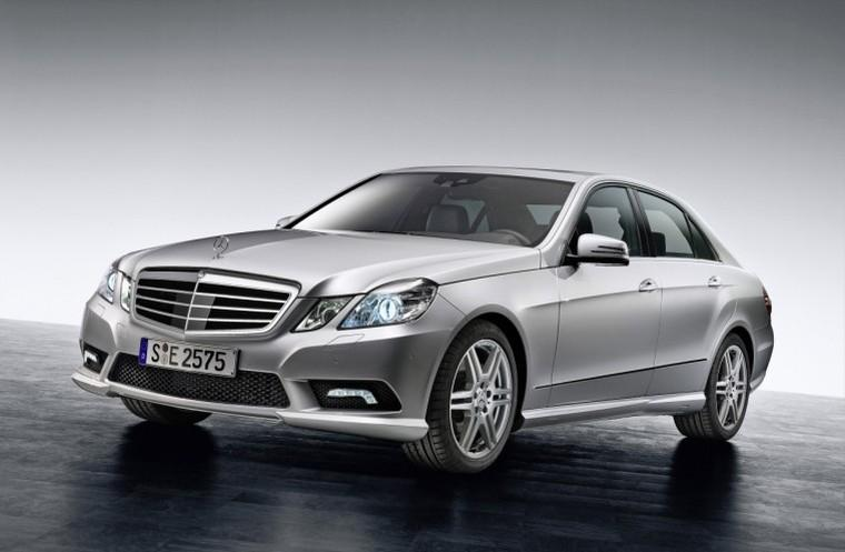 Front Left Silver 2010 Mercedes-Benz E-Class Car Picture