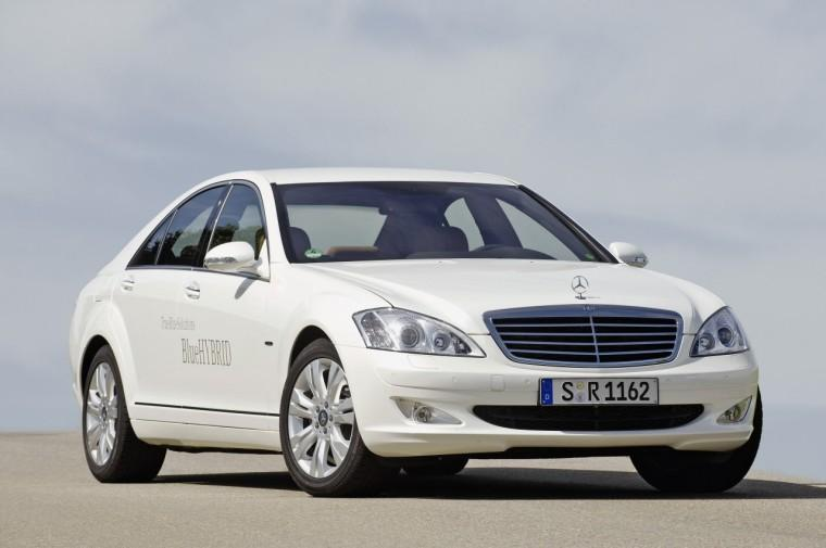 Front Right 2010 Mercedes-Benz s400 Blue Hybrid Car Picture