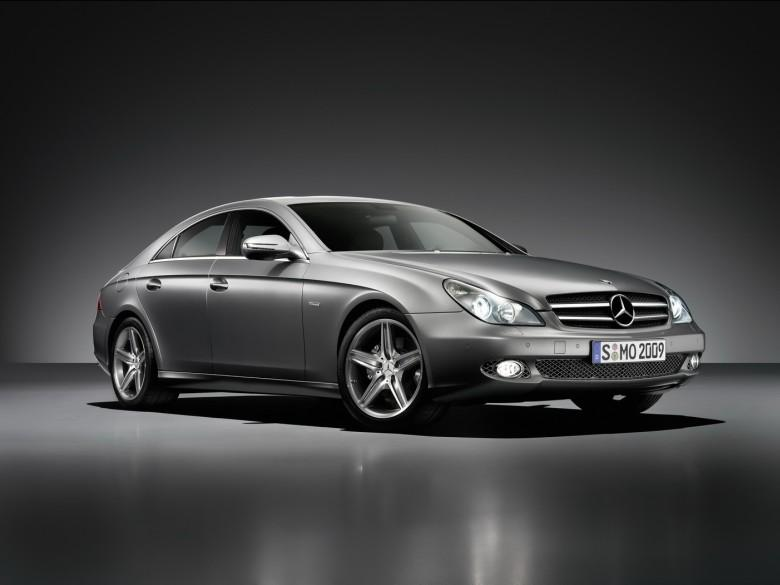 Front Right Mercedes-Benz CLS Grand Edition Car Picture