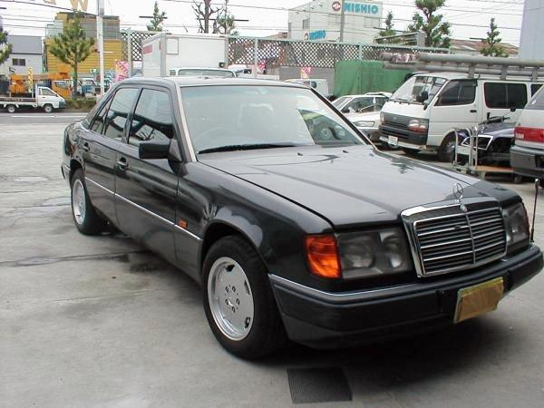 1992 Mercedes-Benz 260E Car Picture