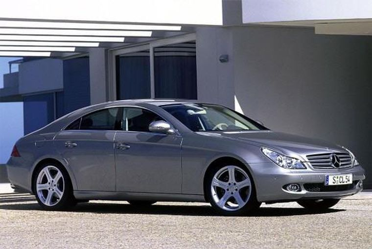 Front Right Gray Mercedes-Benz CLS Car Picture