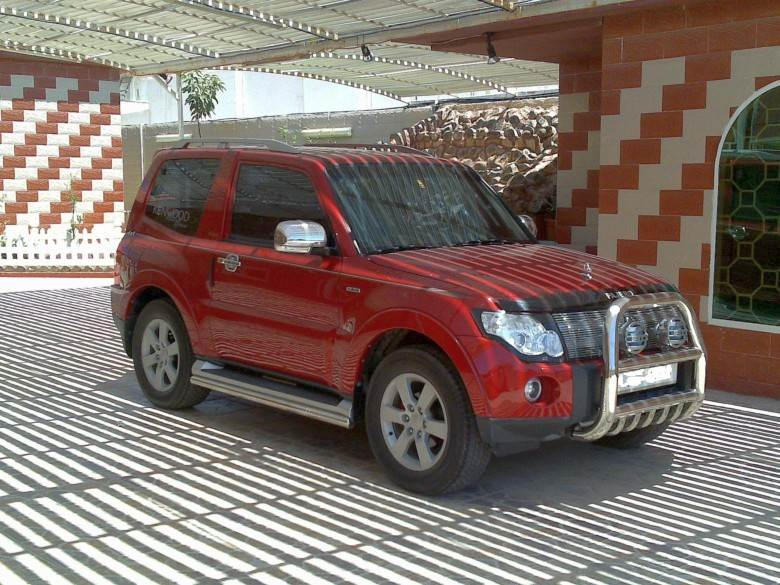 Front Right Red 2008 Mitsubishi Pajero SUV Picture