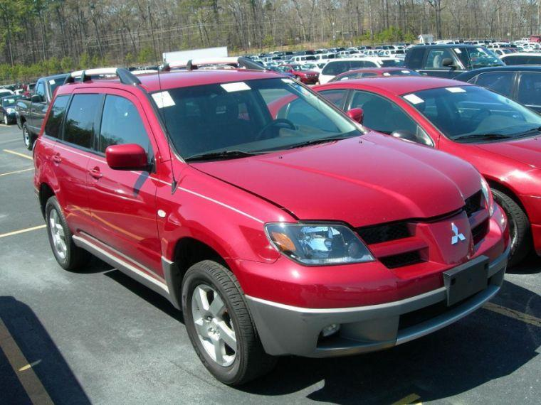 Front Right Red 2003 Mitsubishi Outlander SUV Picture