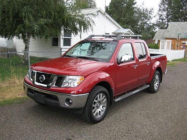 Front left Red 2009 Nissan Frontier Picture