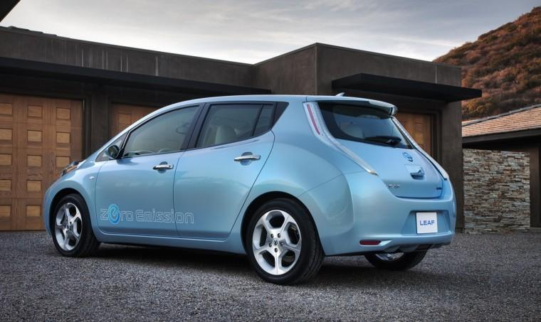 Rear Left 2010 Nissan Leaf Car Picture