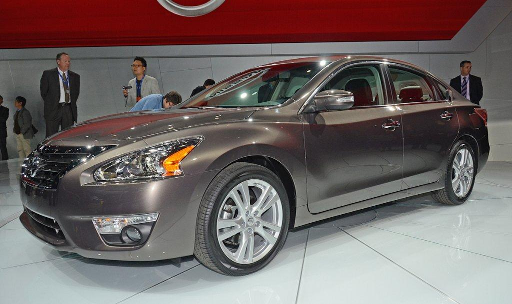 Front Left Gray 2013 Nissan Altima NYAS Photo