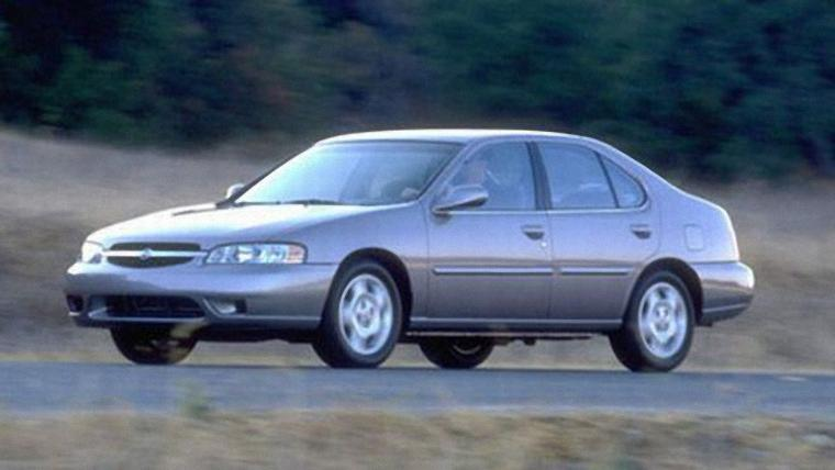 2000 Nissan Altima Car Photo