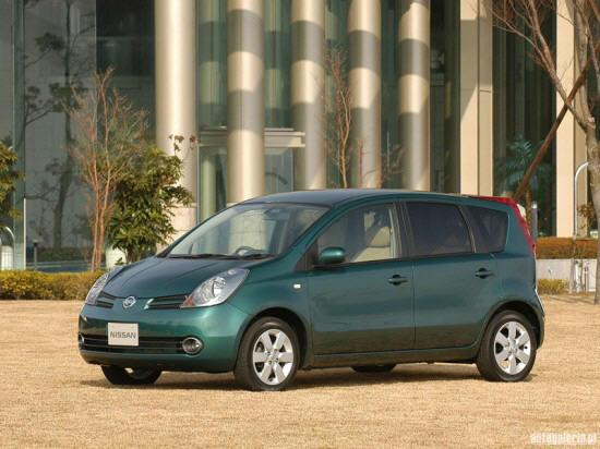 Front left Green 2005 Nissan Note Van Car Picture